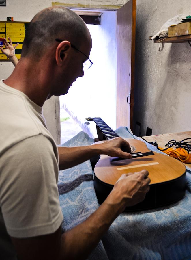 Lineu Bravo Luthier - Biografia