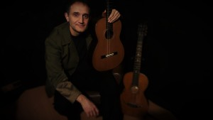 The 6-string guitar in the hands of Mario Murru