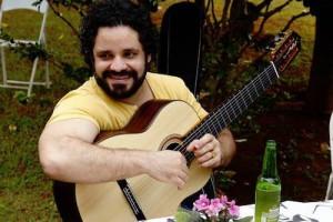 Rogério Caetano: talento musical e influência para novas gerações de violonistas