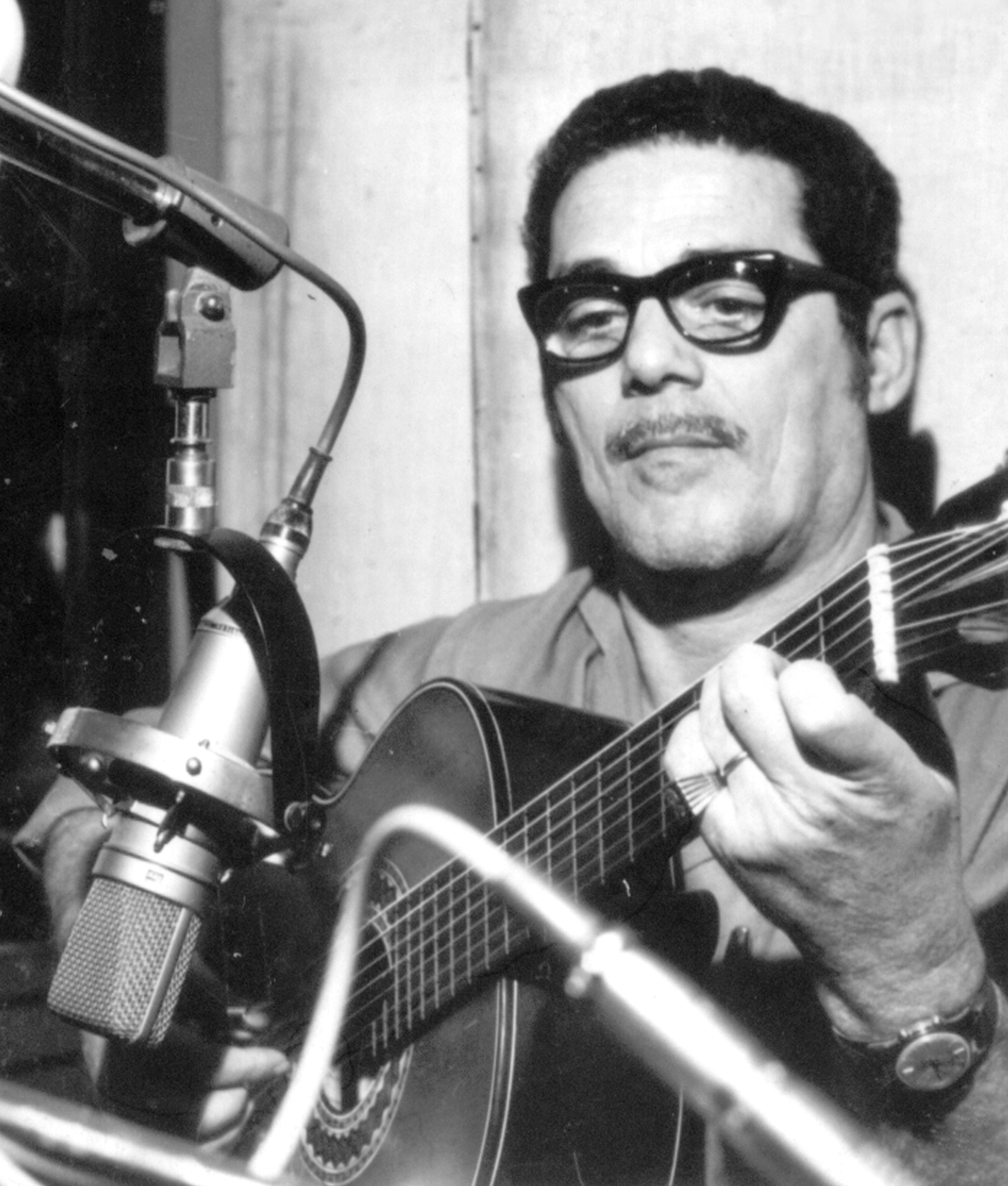 O-violonista-Dino-Cordas-Divulgacao