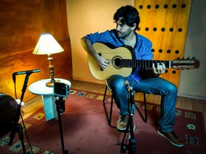 Guilherme Lamas and his Lineu Bravo guitar